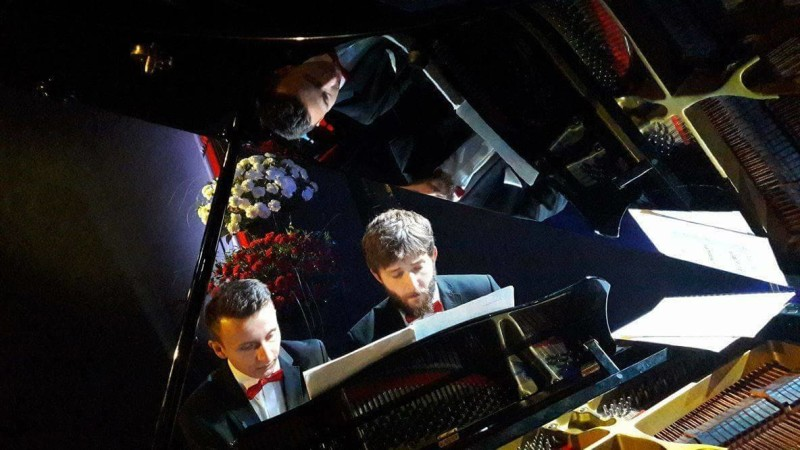 Dombrova Piano Duo – duet fortepianowy