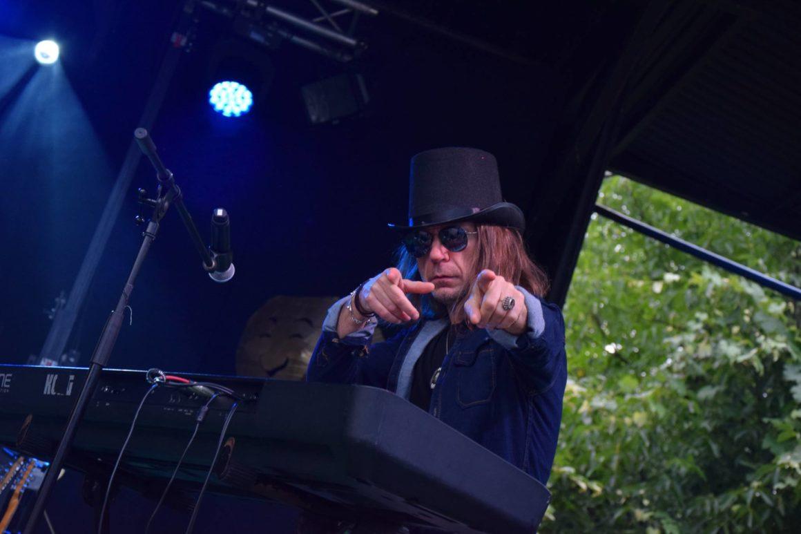 Adam Snopek SHOW – z humorem przy fortepianie