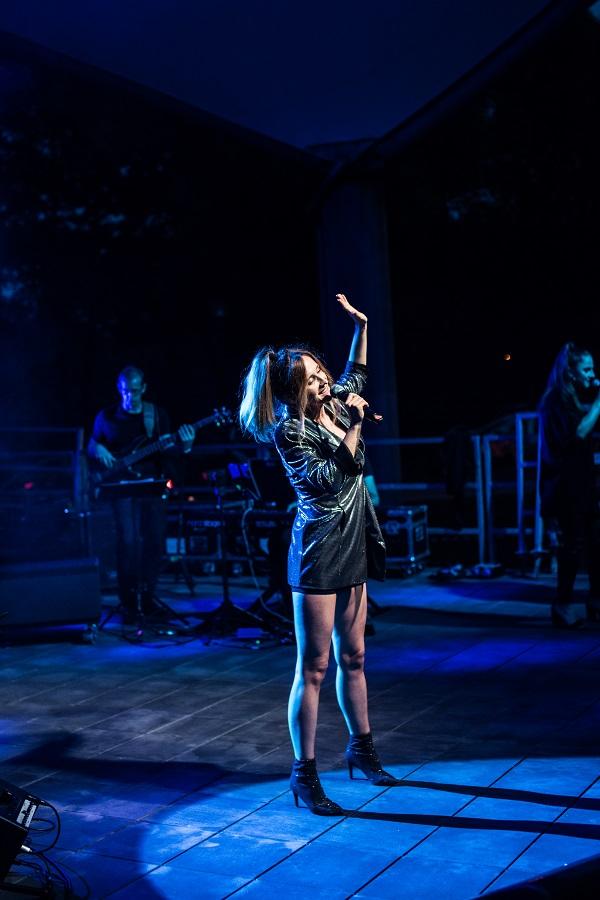 theART AGencja Artystyczna Tribute to Whitney Houston (7) na stronę